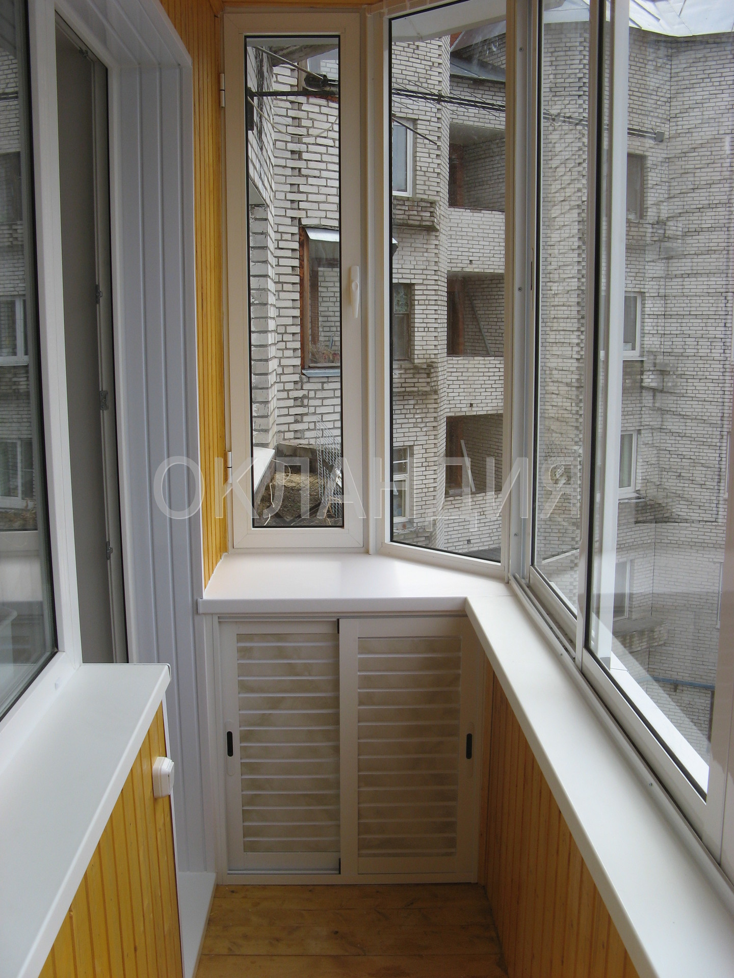 Окно в кладке лоджии фото.